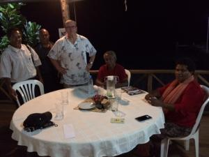 Mick Vertigan (C) with with L-R Sioni, Dumodi, Elaine and Tau